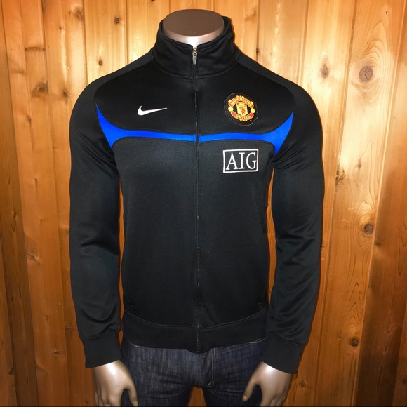 Official Nike Manchester United Training Jacket. M 5a517bb49cc7ef8ef4032c01 85256137df605